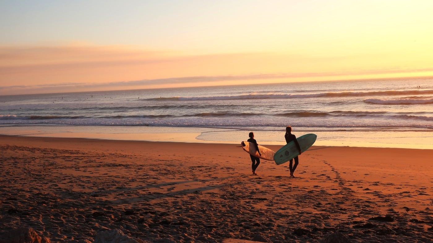 couples surf trip