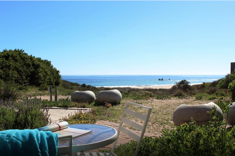 surfers accommodation sea view